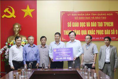 Ngành giáo dục Thành phố Hồ Chí Minh trao quà tại Quảng Ngãi