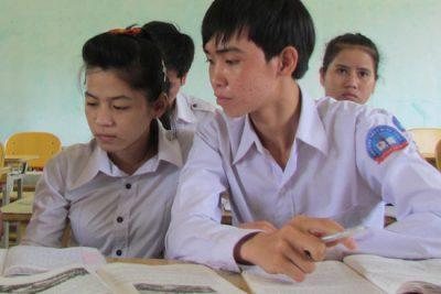 Thành lập Trường THPT Phó Mục Gia