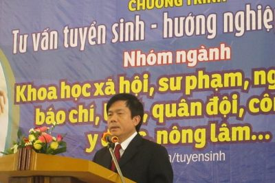 Báo Tuổi trẻ Thành phố Hồ Chí Minh tư vấn tuyển sinh tại Quảng Ngãi. (2)