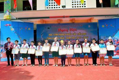 """Tổng kết Ngày Hội giao lưu """"Học sinh năng khiếu cấp tiểu học"""" tỉnh Quảng Ngãi năm học 2013 – 2014."""