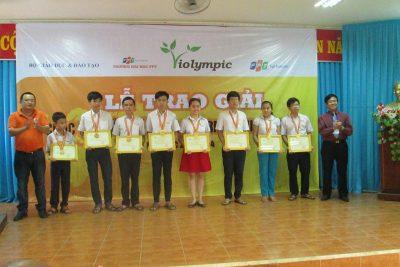 Trao thưởng cho học sinh đạt thành tích tại Cuộc thi Giải Toán qua Internet – ViOlympic năm học 2013-2014