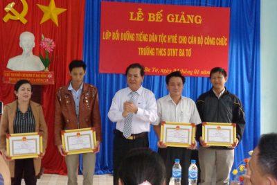 Tổng kết khoá học lớp bồi dưỡng tiếng H' re cho cán bộ, giáo viên, nhân viên trường THCS DTNT Ba Tơ